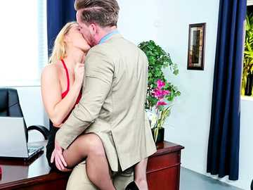 Carter Cruise gets hairy cunt exposed and fucked at the office of her boss