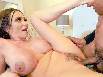 White porn diva Ariella Ferrera with giant bosoms seduces black cookie seller